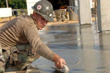 ניקיונות נפוצים לניקוי משטח בטון